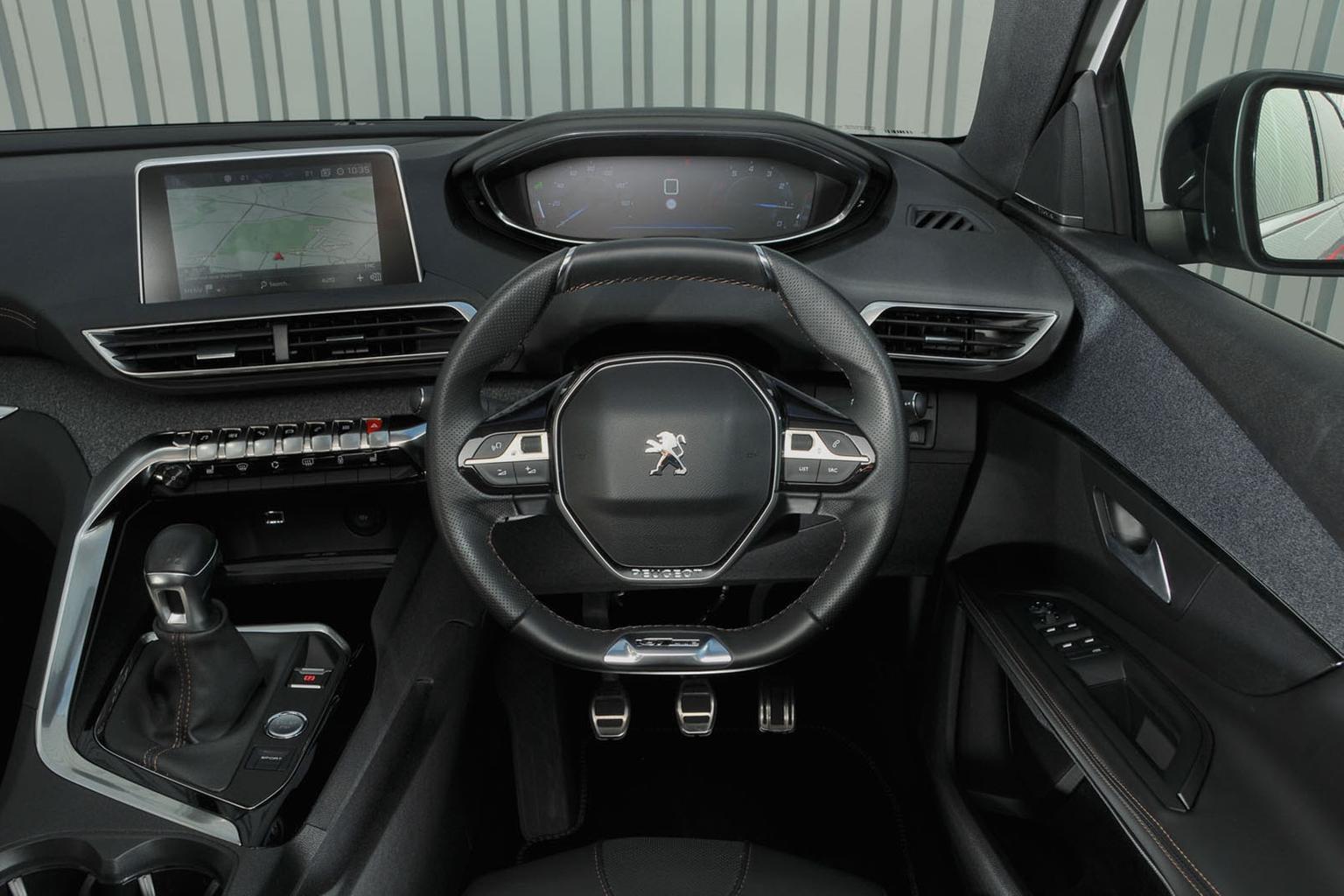 Peugeot 5008 1.2 Puretech 130 Allure - interior