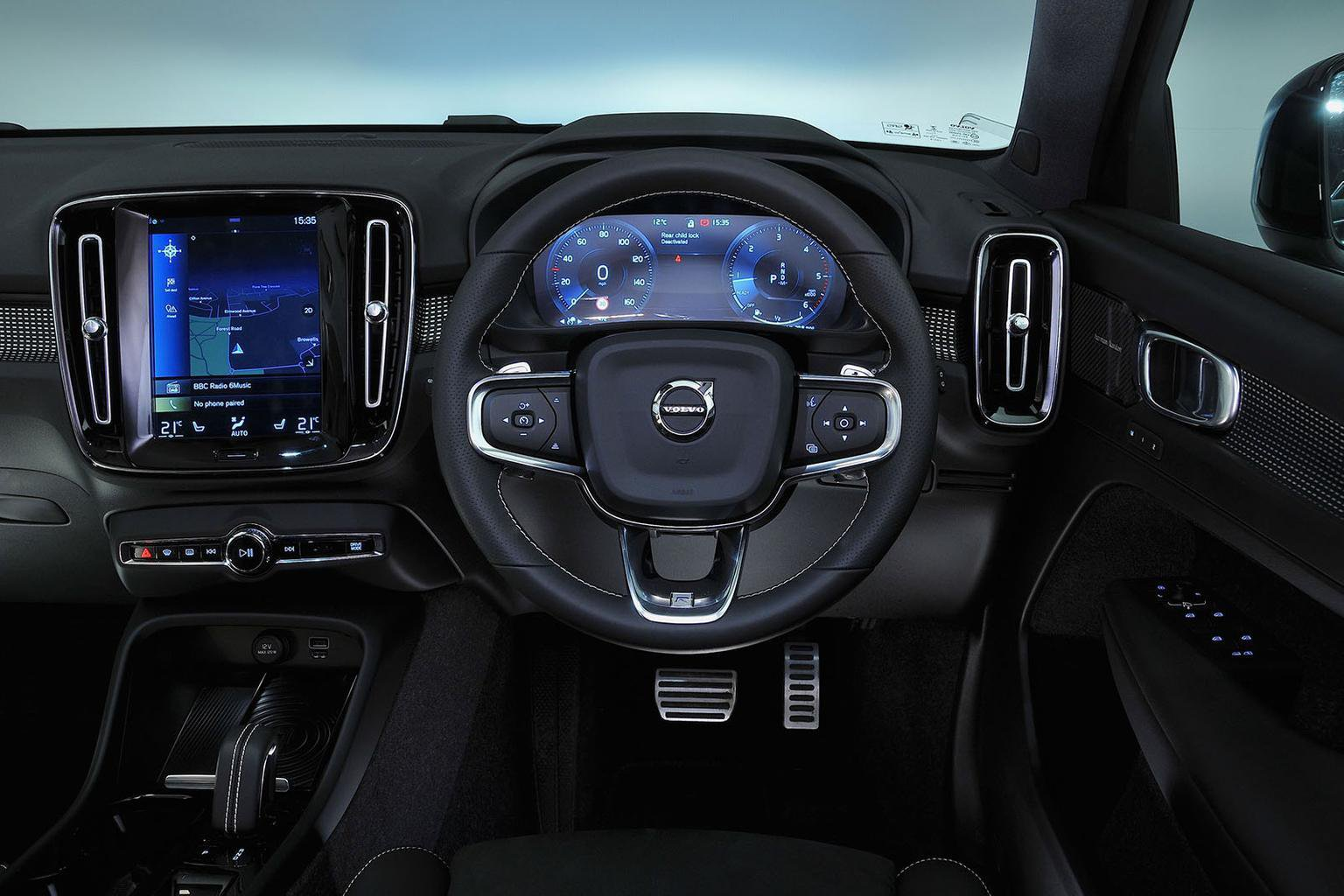 Volvo XC40 D3 R-Design Geartronic - interior