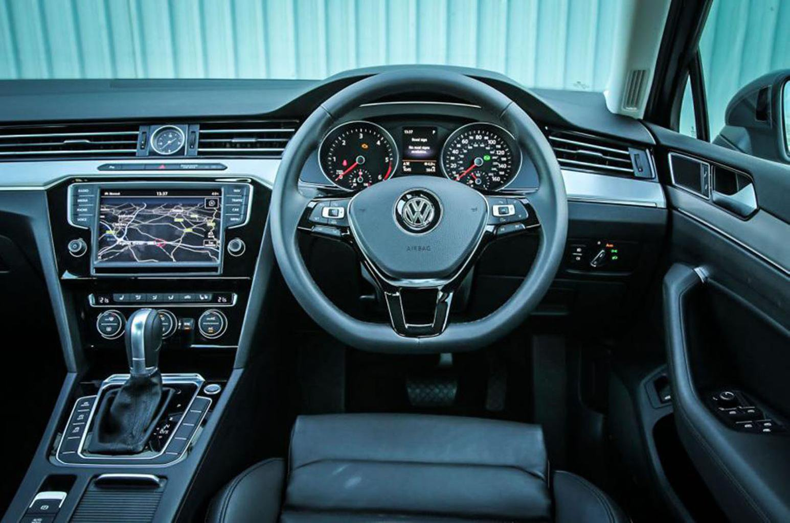 Volkswagen Passat Estate - interior