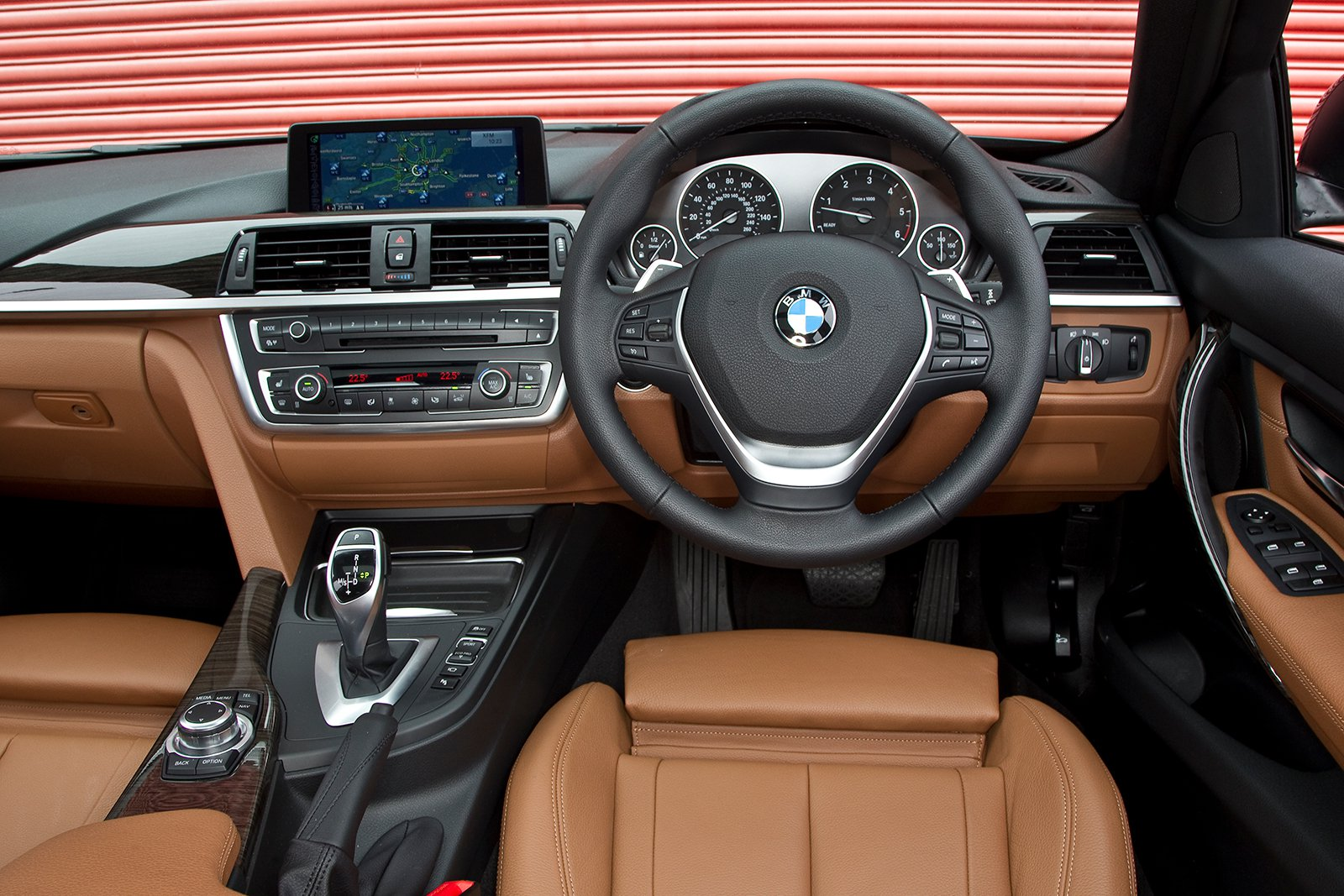 BMW 3 Series Touring - interior