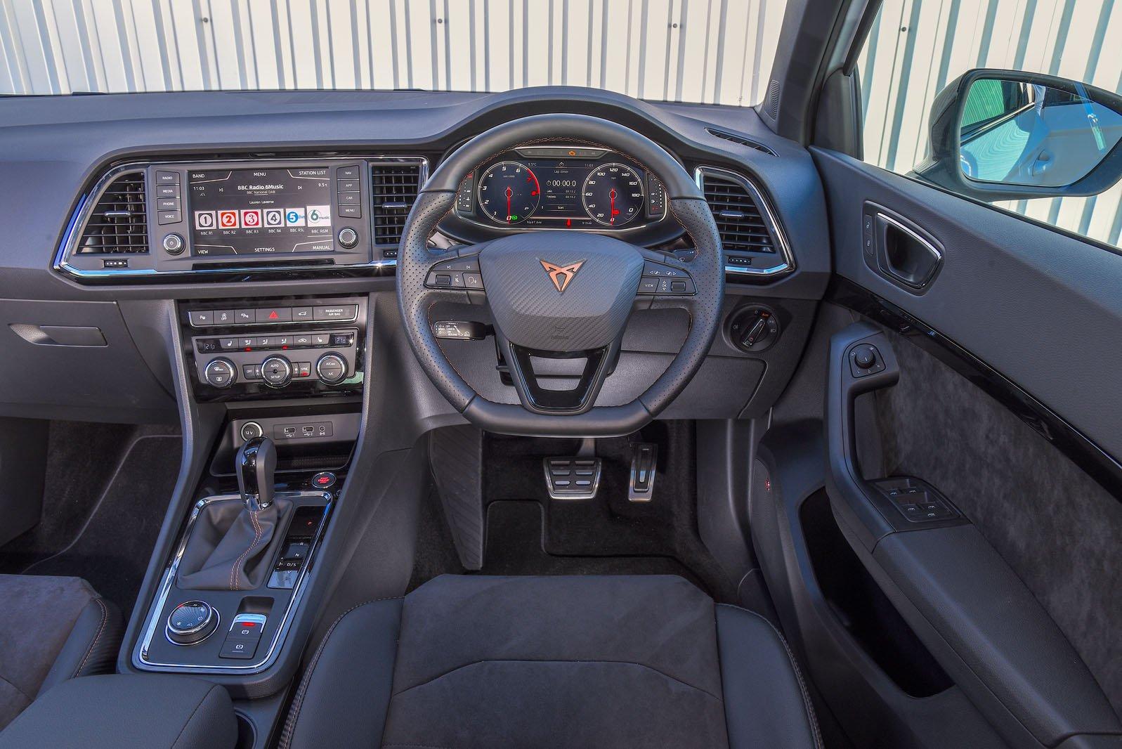 Cupra Ateca 300 - interior
