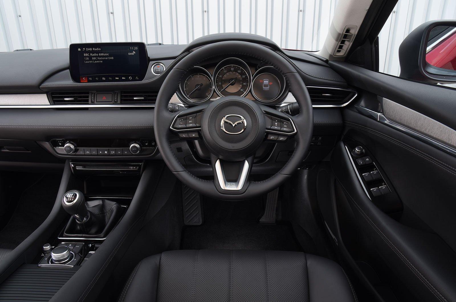 Mazda 6 2.2d SE-L Nav+ auto - interior