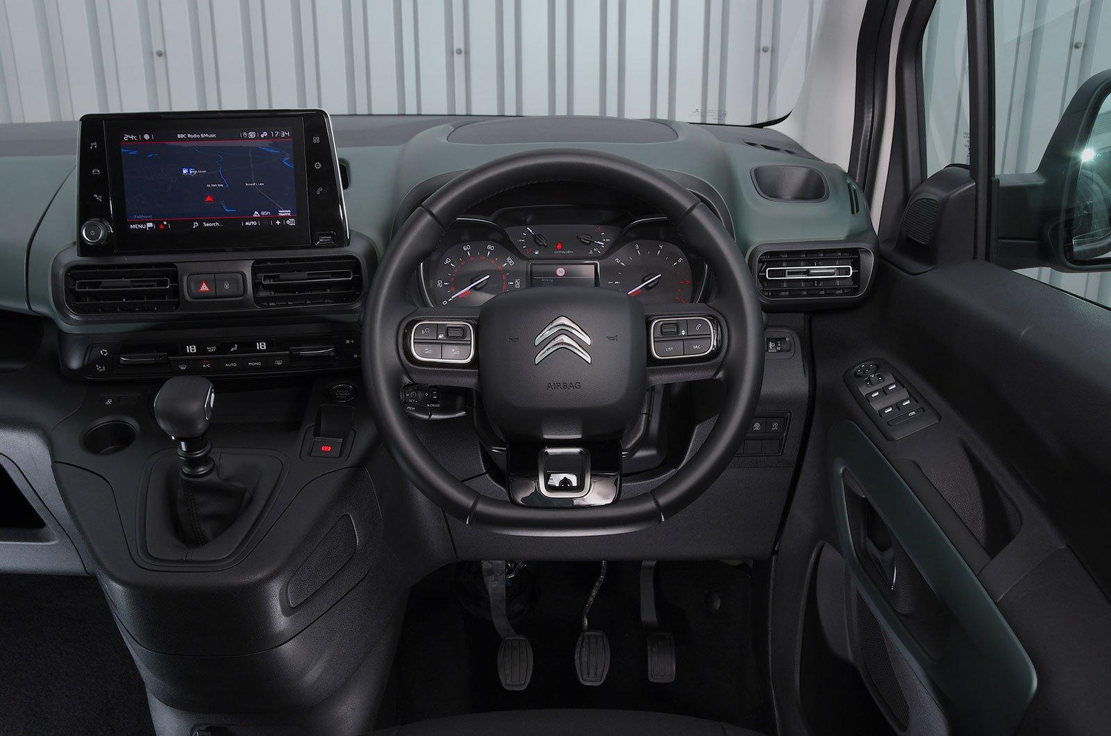 Citroën Berlingo Puretech 110 Feel M - interior
