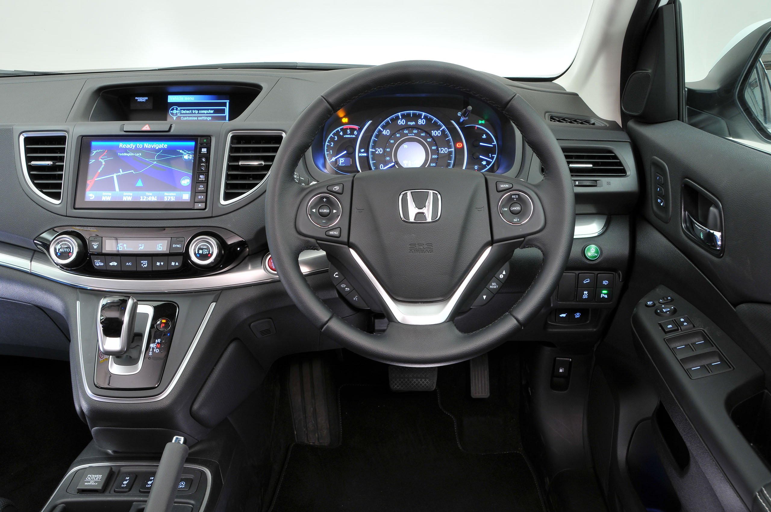 Honda CR-V - interior