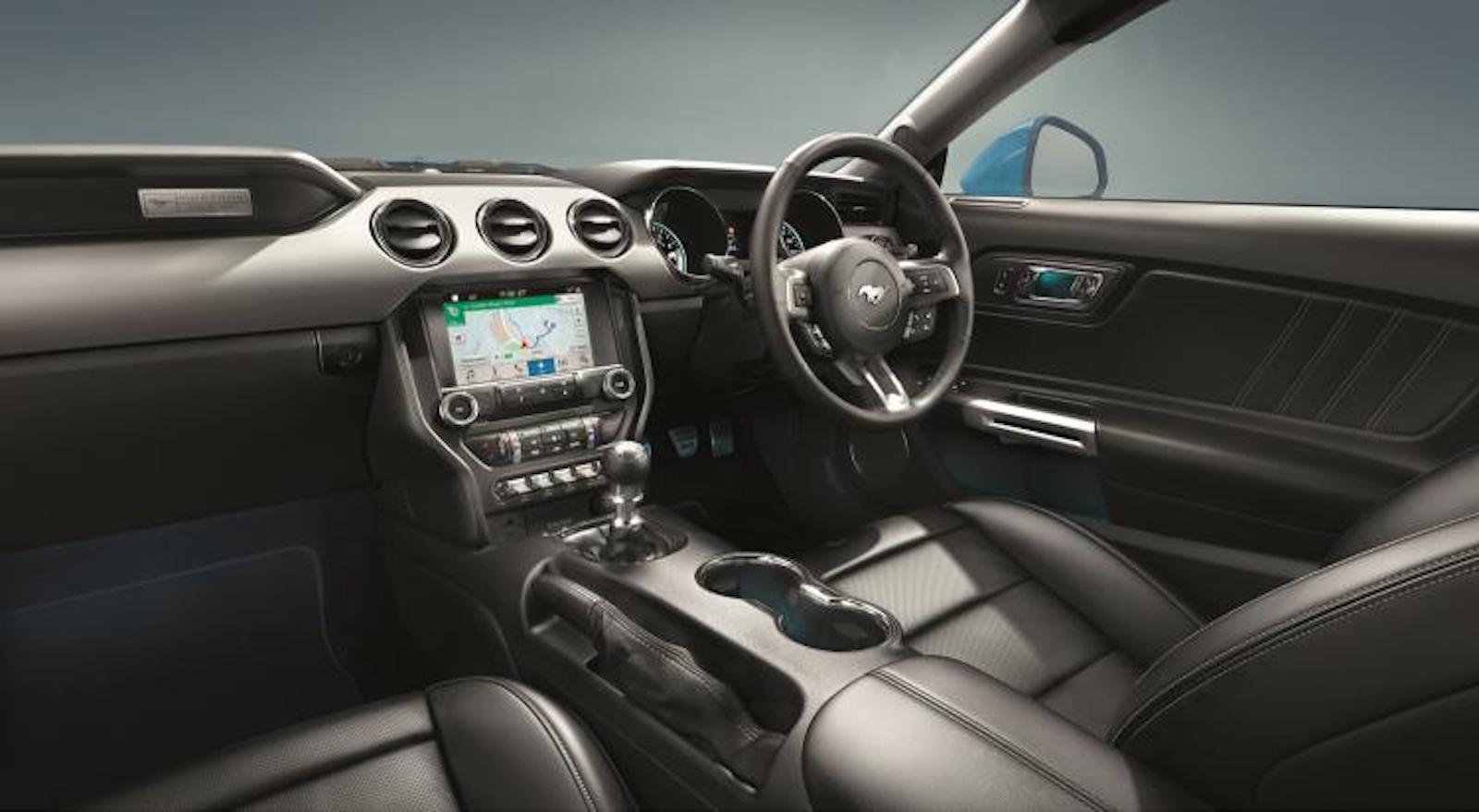 Ford Mustang Convertible - interior