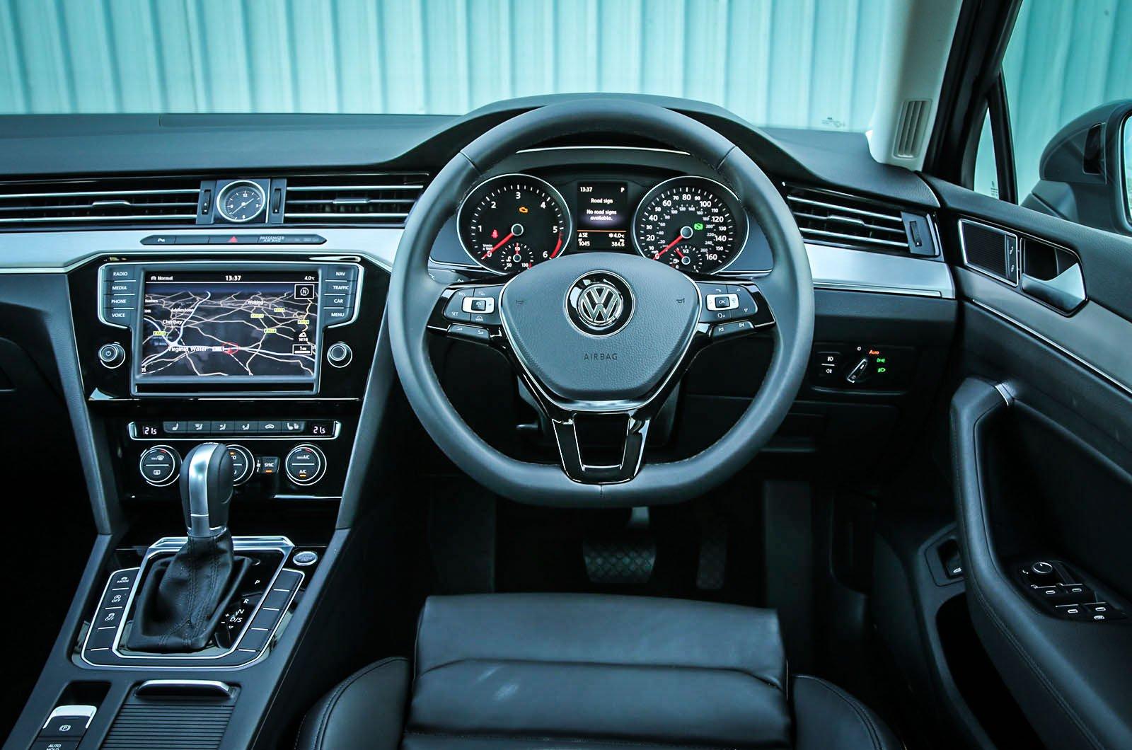 Volkswagen Passat - interior