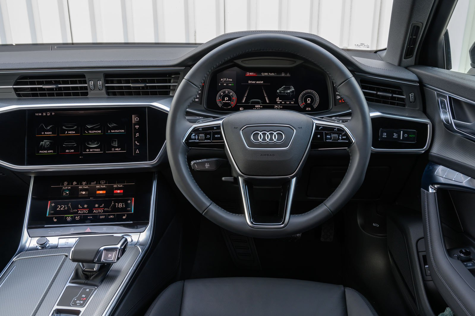 Audi Allroad 2019 RHD dashboard