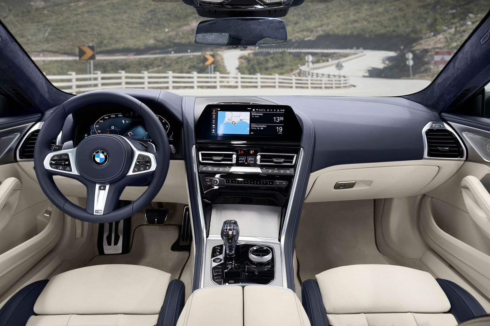 8 Series Gran Coupé 2019 LHD front seats