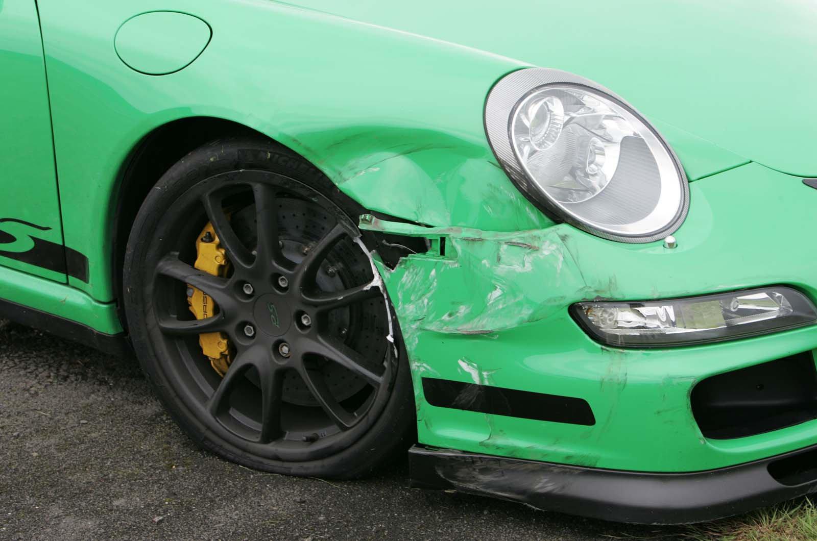 Crashed Porsche 997 GT3 RS