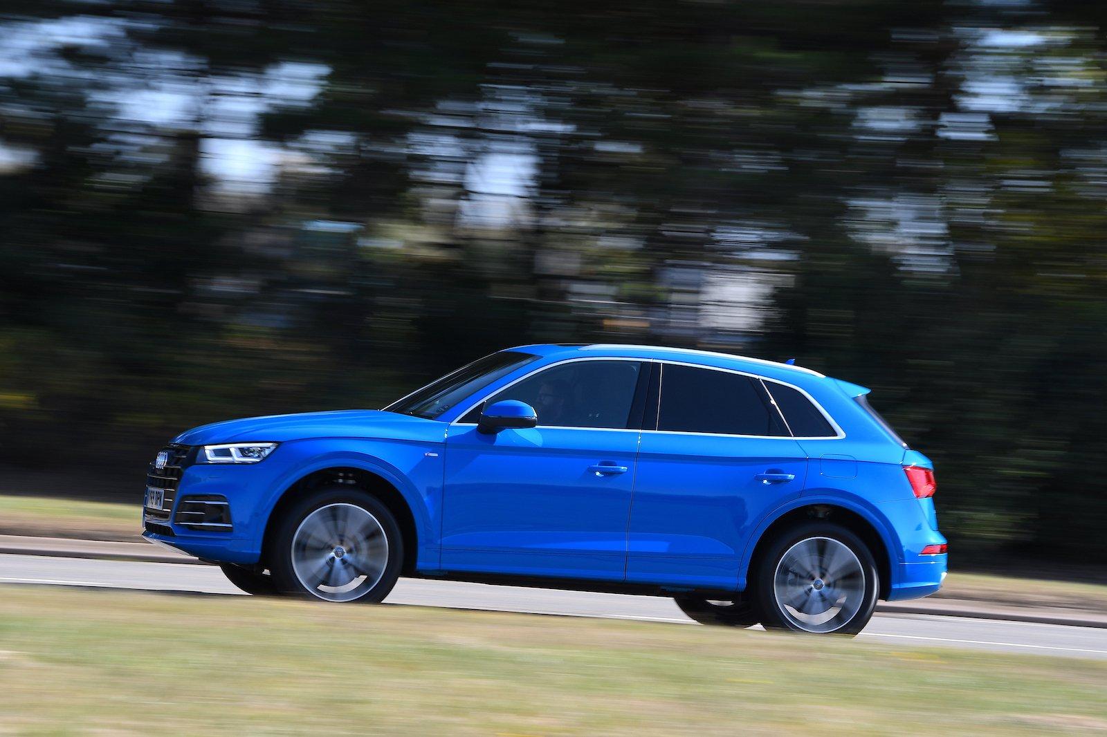 2019 Audi Q5 TFSI e panning