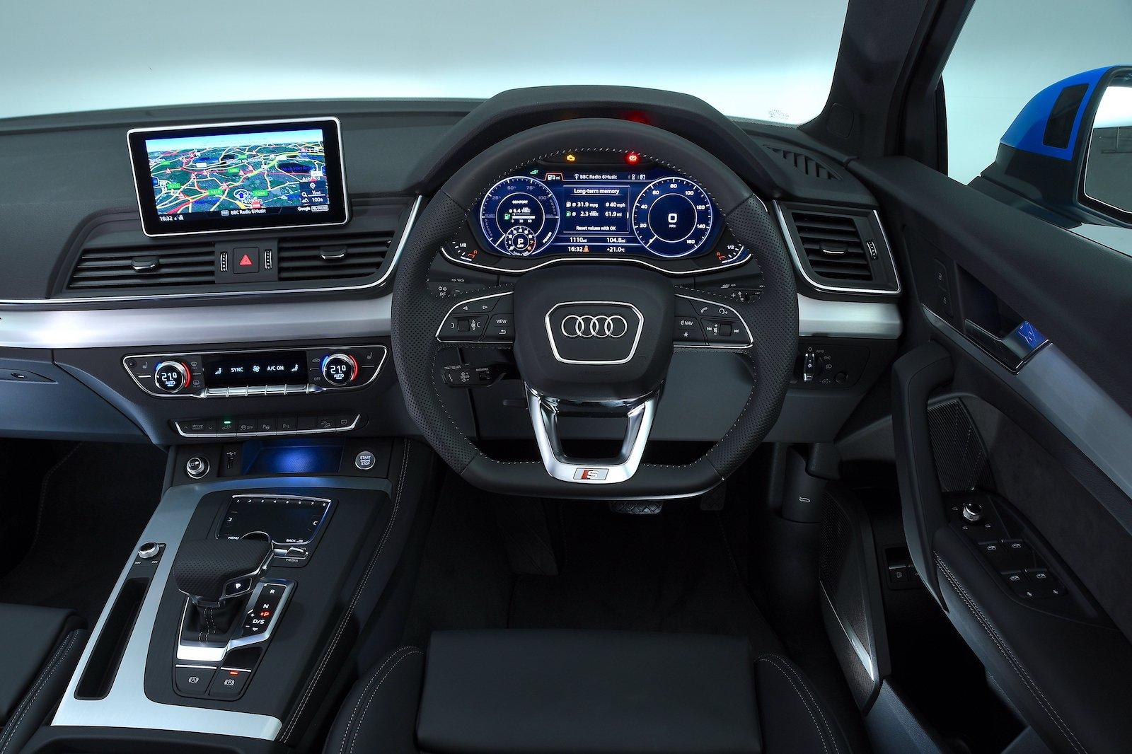 2019 Audi Q5 TFSI e dash