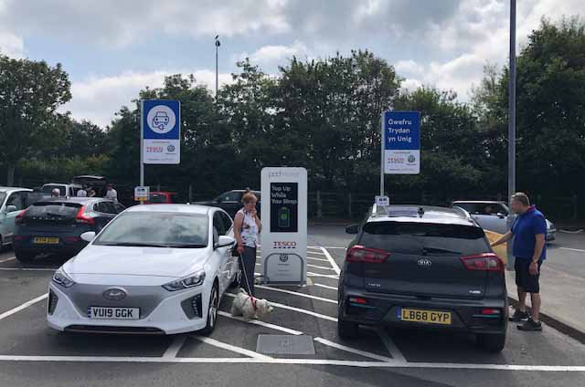 Kia e-Niro Tesco charging