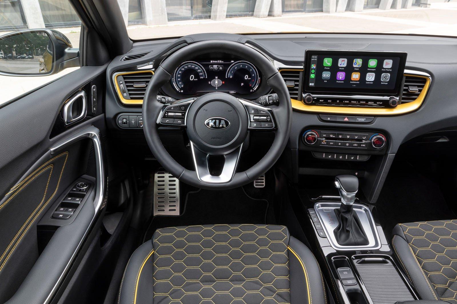 Kia Xceed 2019 LHD dashboard