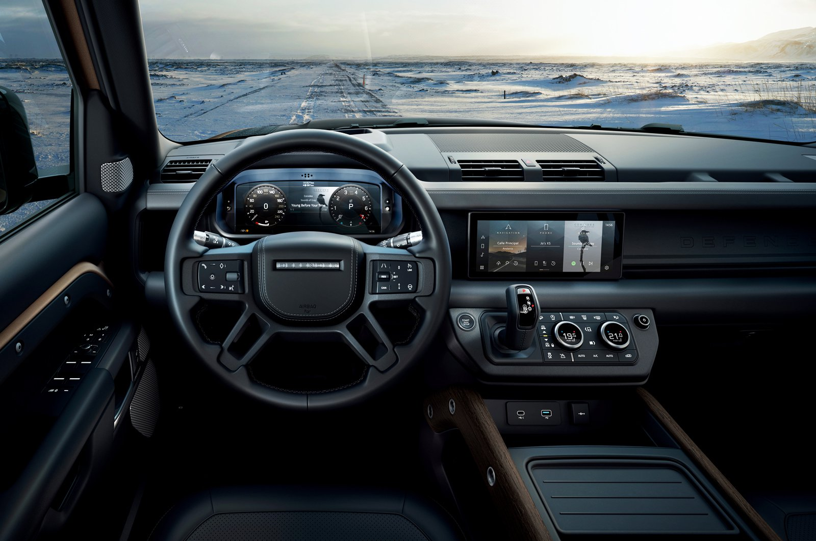 2020 Land Rover Defender dashboard