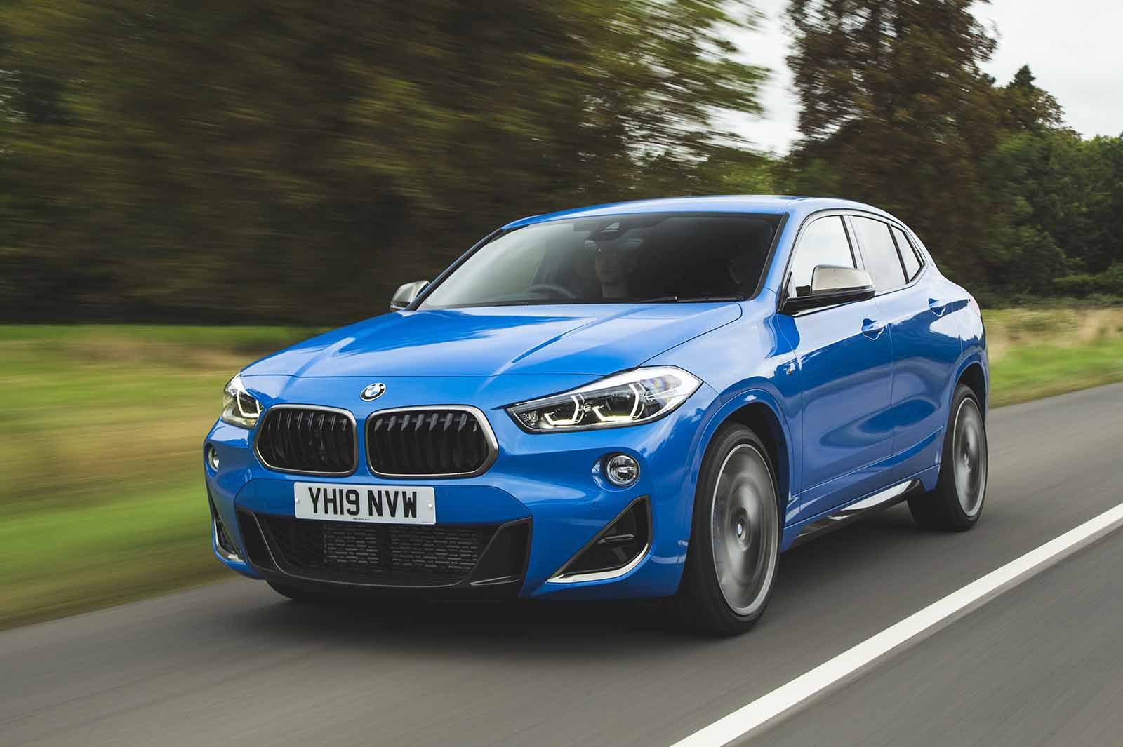 BMW X2 M35i 2019 front left panning