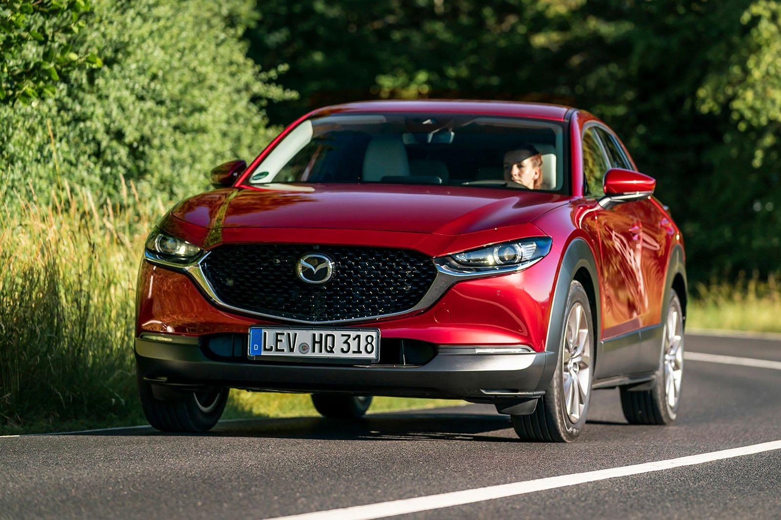 Mazda CX-30 2019 front cornering
