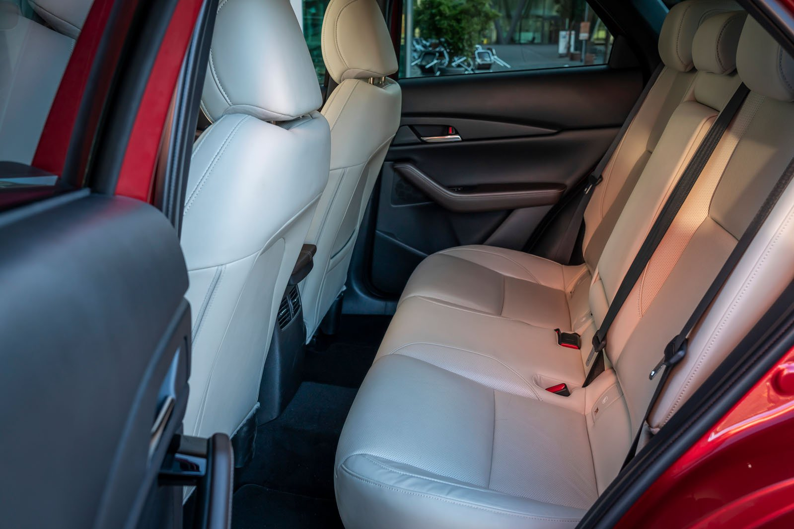 Mazda CX-30 2019 LHD rear seats