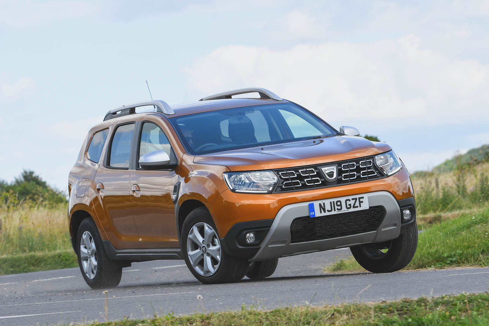 Dacia Duster driving