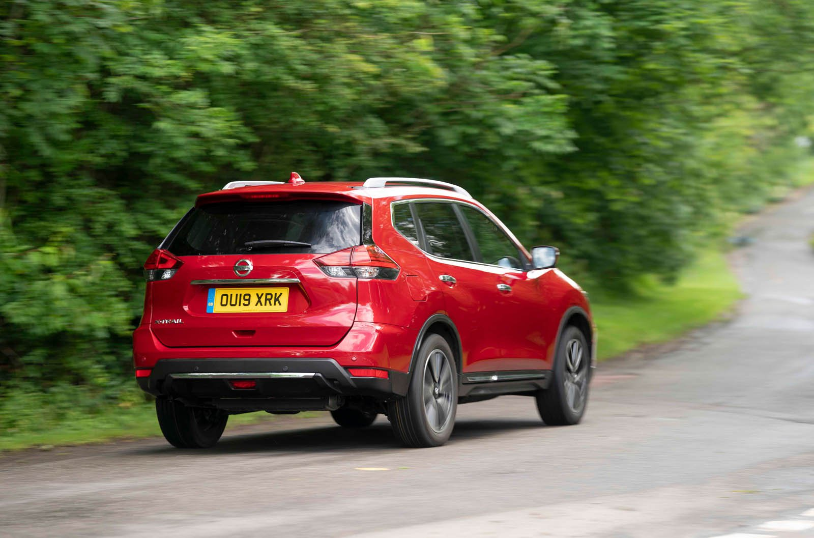 Nissan X-Trail 2019 rear tracking