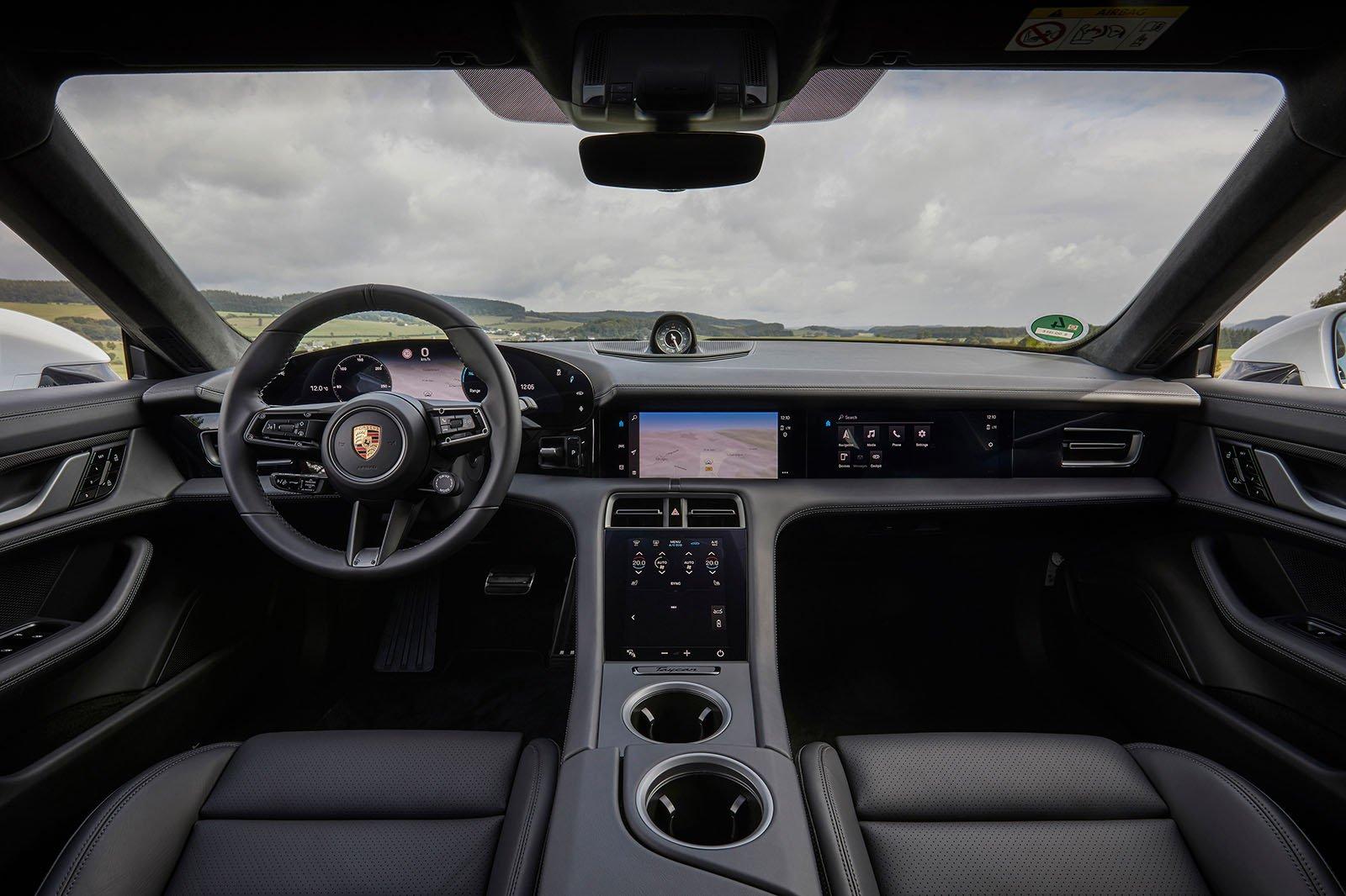Porsche Taycan 2019 LHD dashboard
