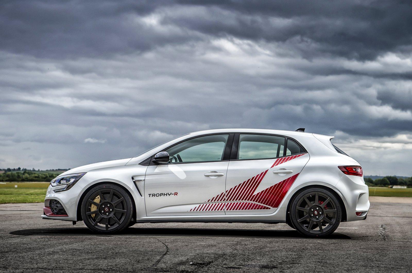 Renault Megane RS Trophy-R side