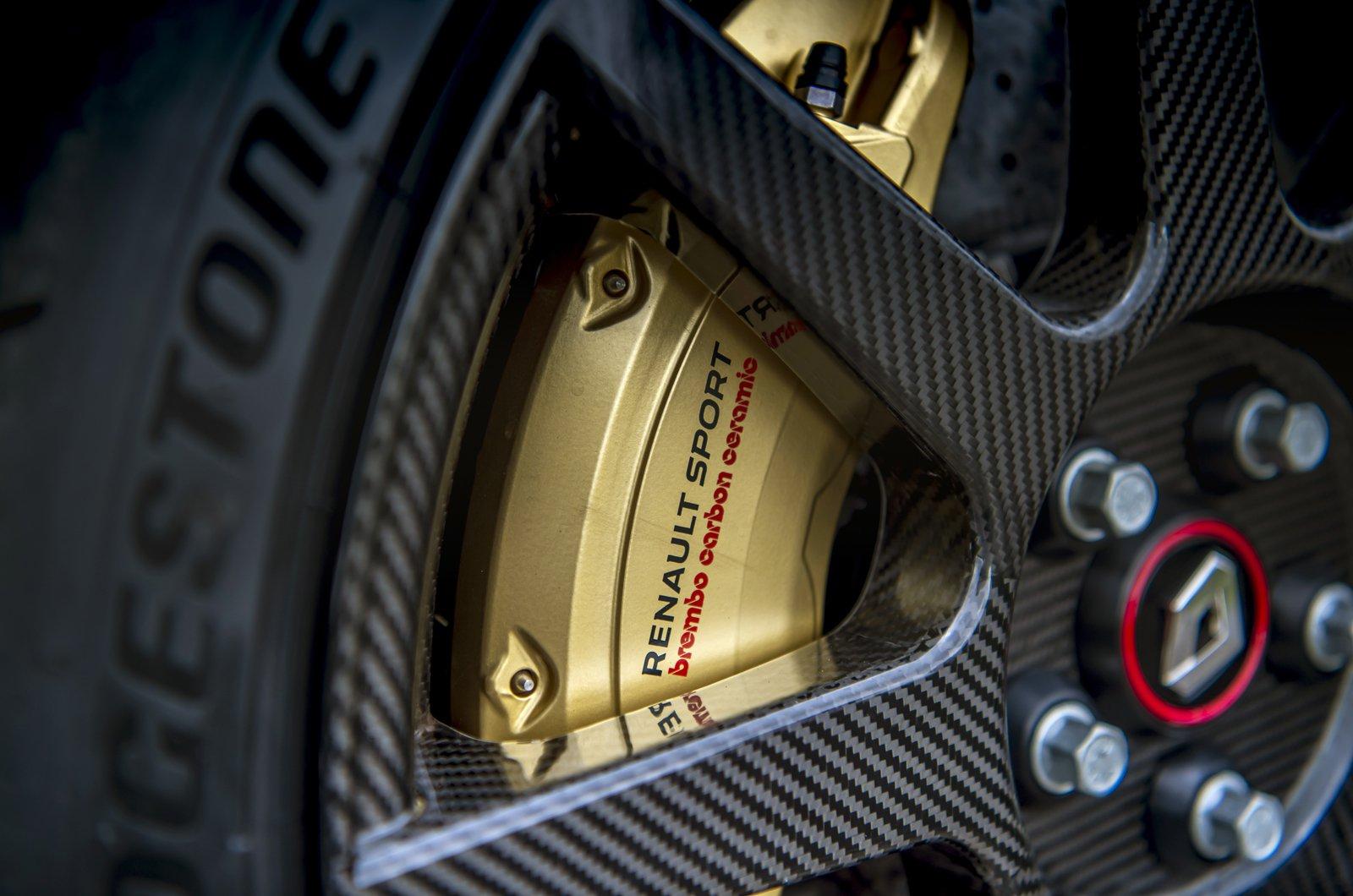 Renault Megane RS Trophy-R carbonfibre wheel