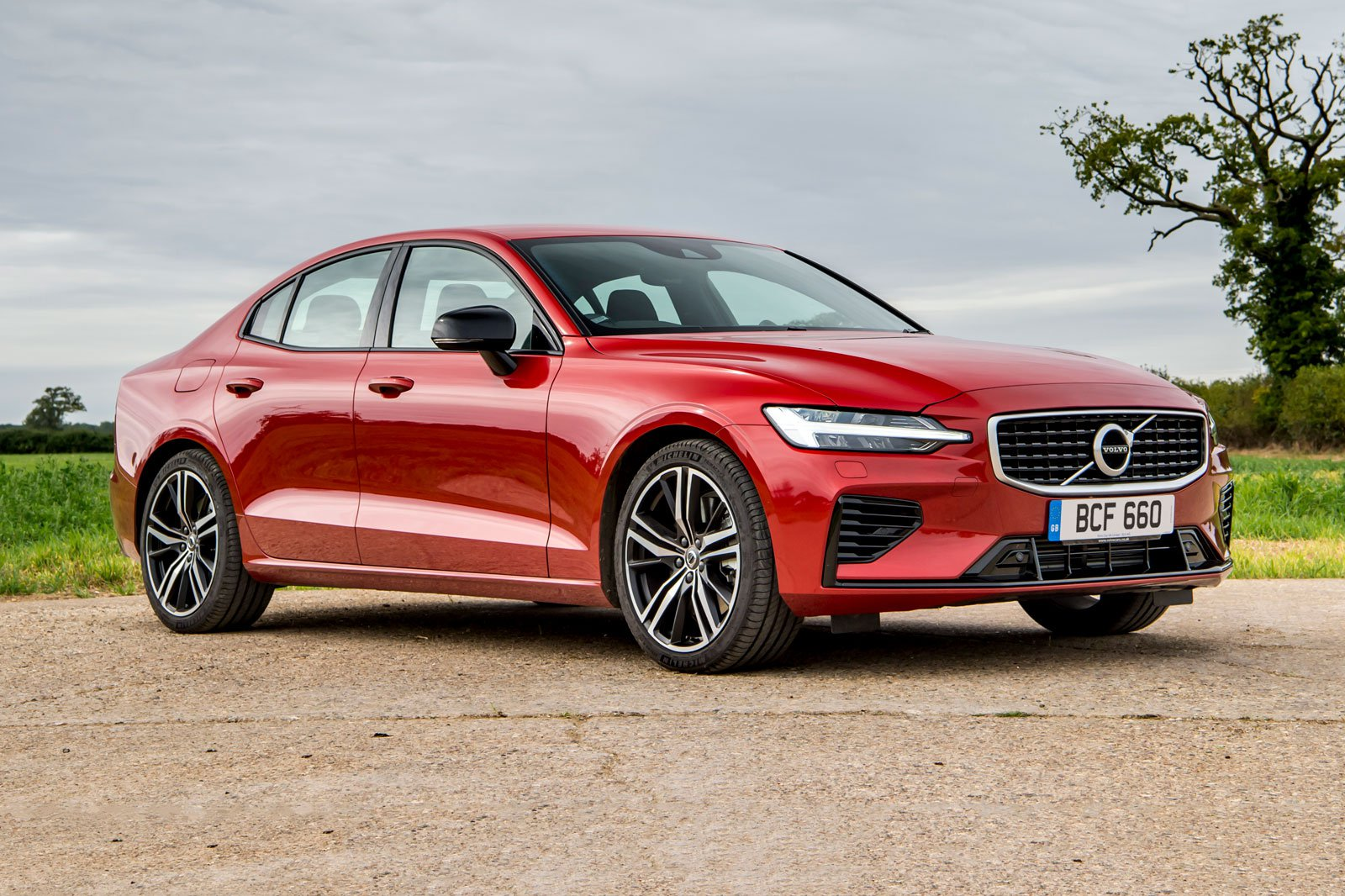 2019 volvo s60 t8 static front red