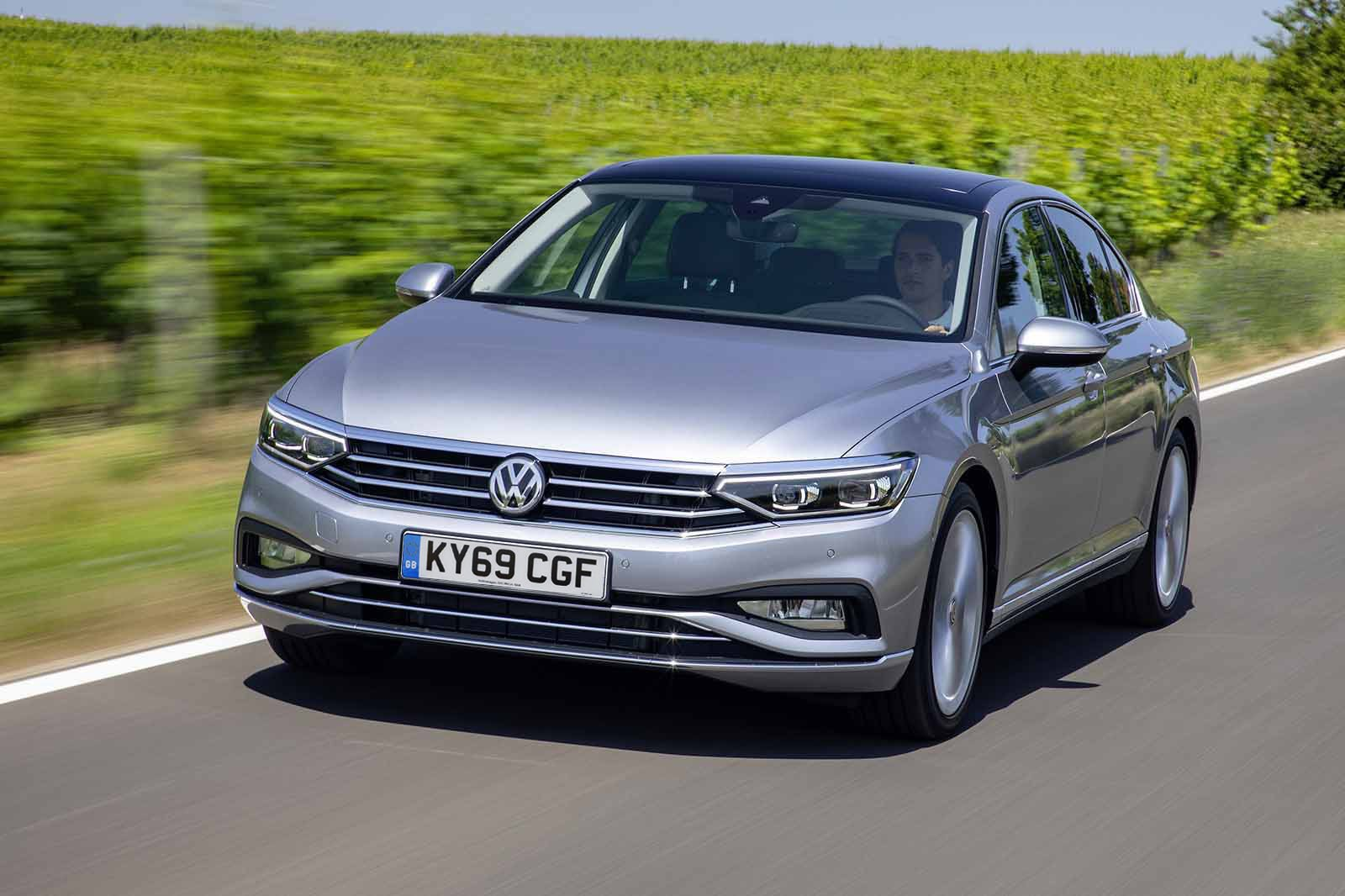 Volkswagen Passat 2019 facelift UK reg