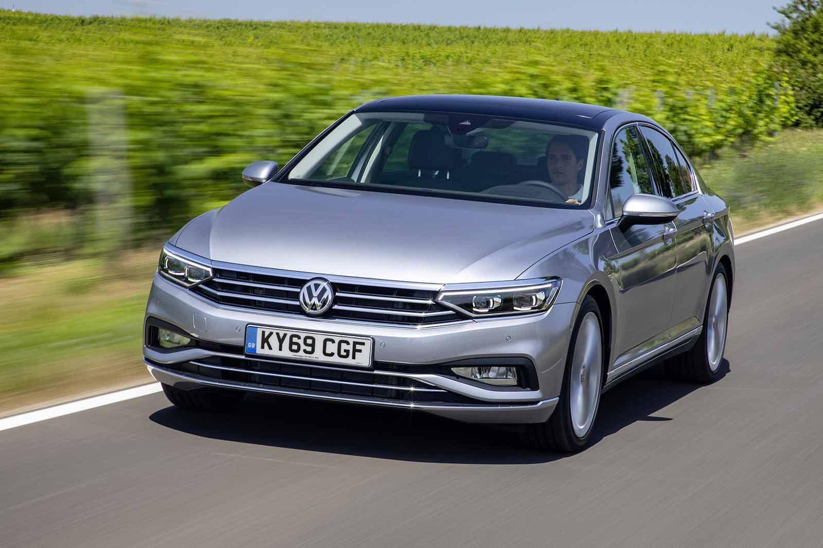 Volkswagen Passat saloon 2019 LHD UK plate front tracking