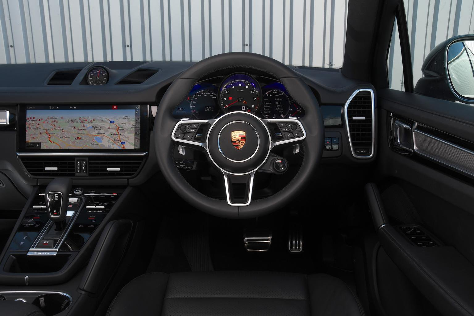 Porsche Cayenne Turbo - interior
