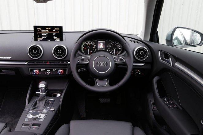 Audi A3 e-tron - interior