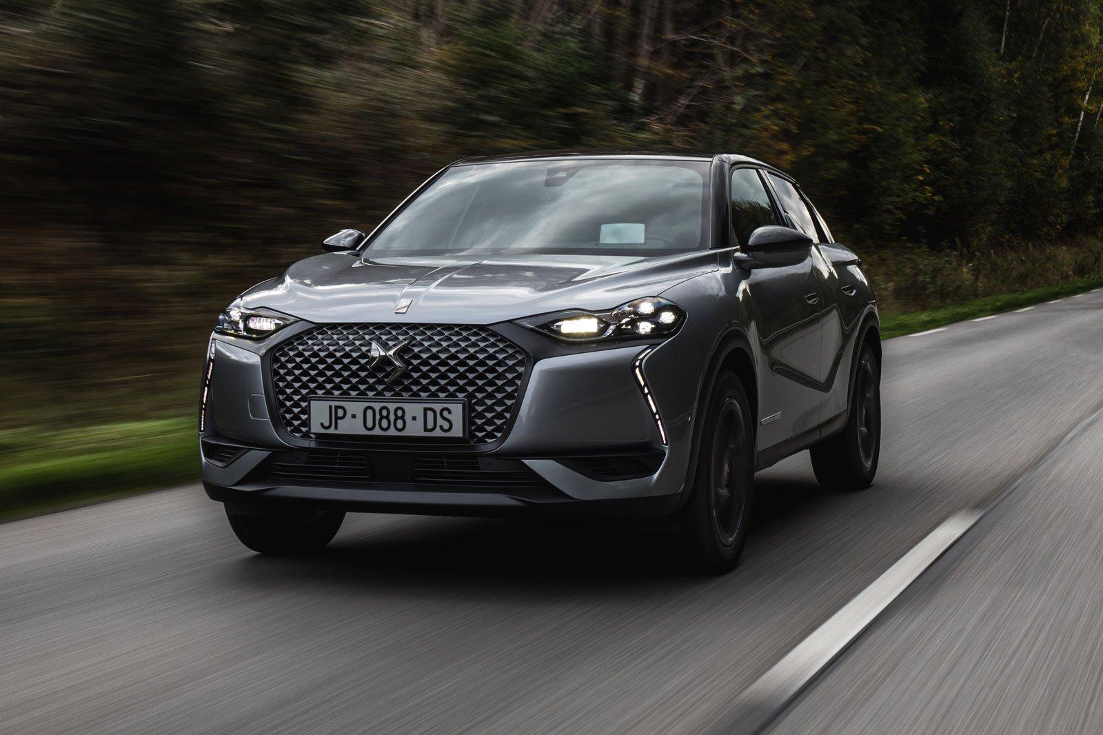 2019 DS 3 Crossback e-tense silver front