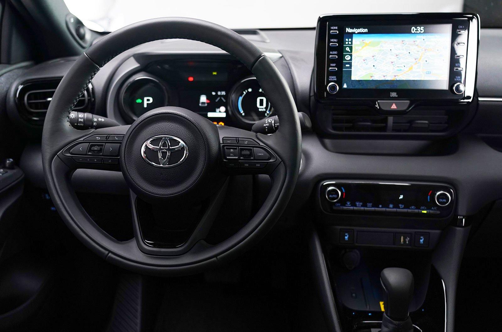 2020 Toyota Yaris dashboard