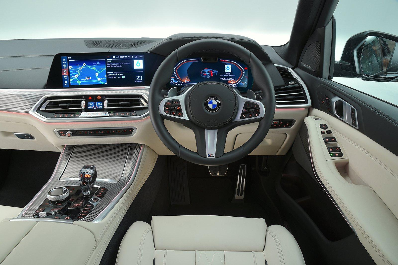 BMW X5 M50d - interior