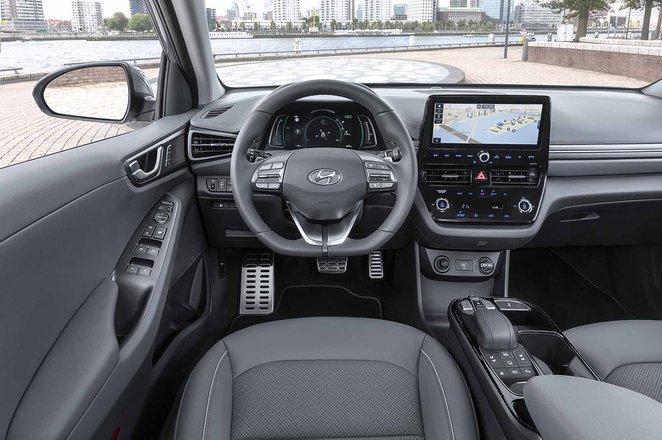 Hyundai Ioniq 1.6 GDi Hybrid Premium - interior