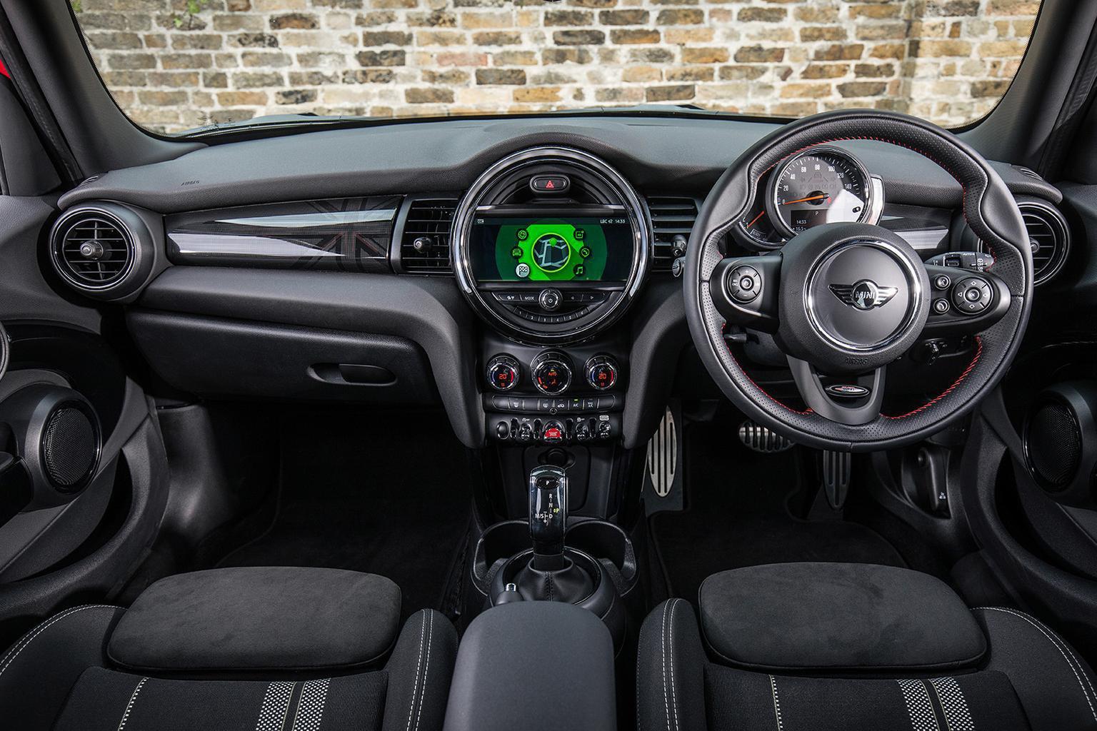 Mini 5dr - interior