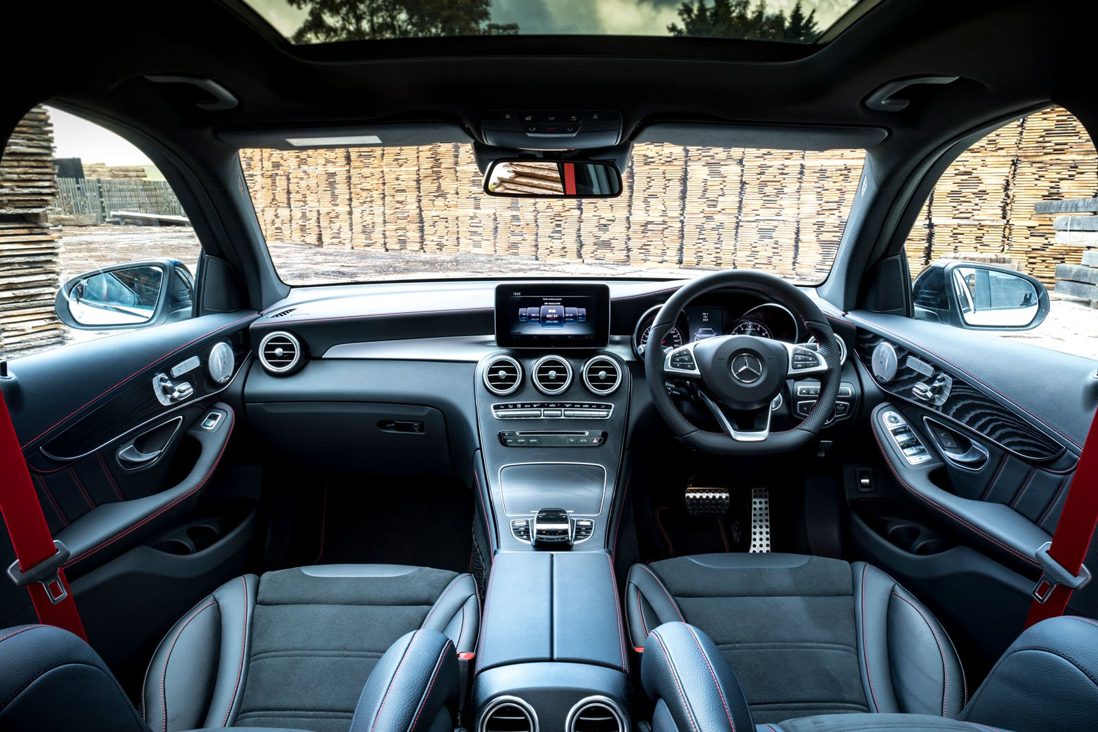 Mercedes-AMG GLC 43 - interior