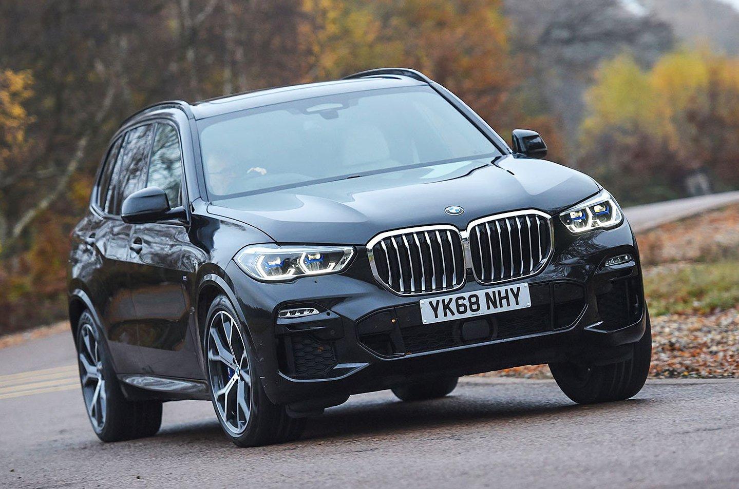 BMW X5 xDrive40e front - black