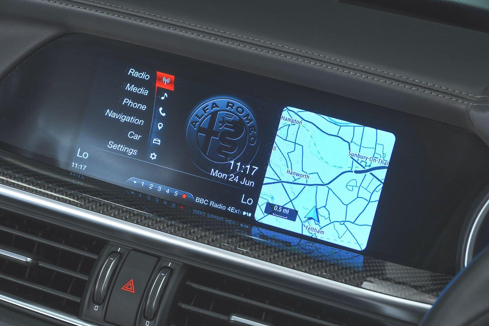 Alfa Romeo Stelvio infotainment