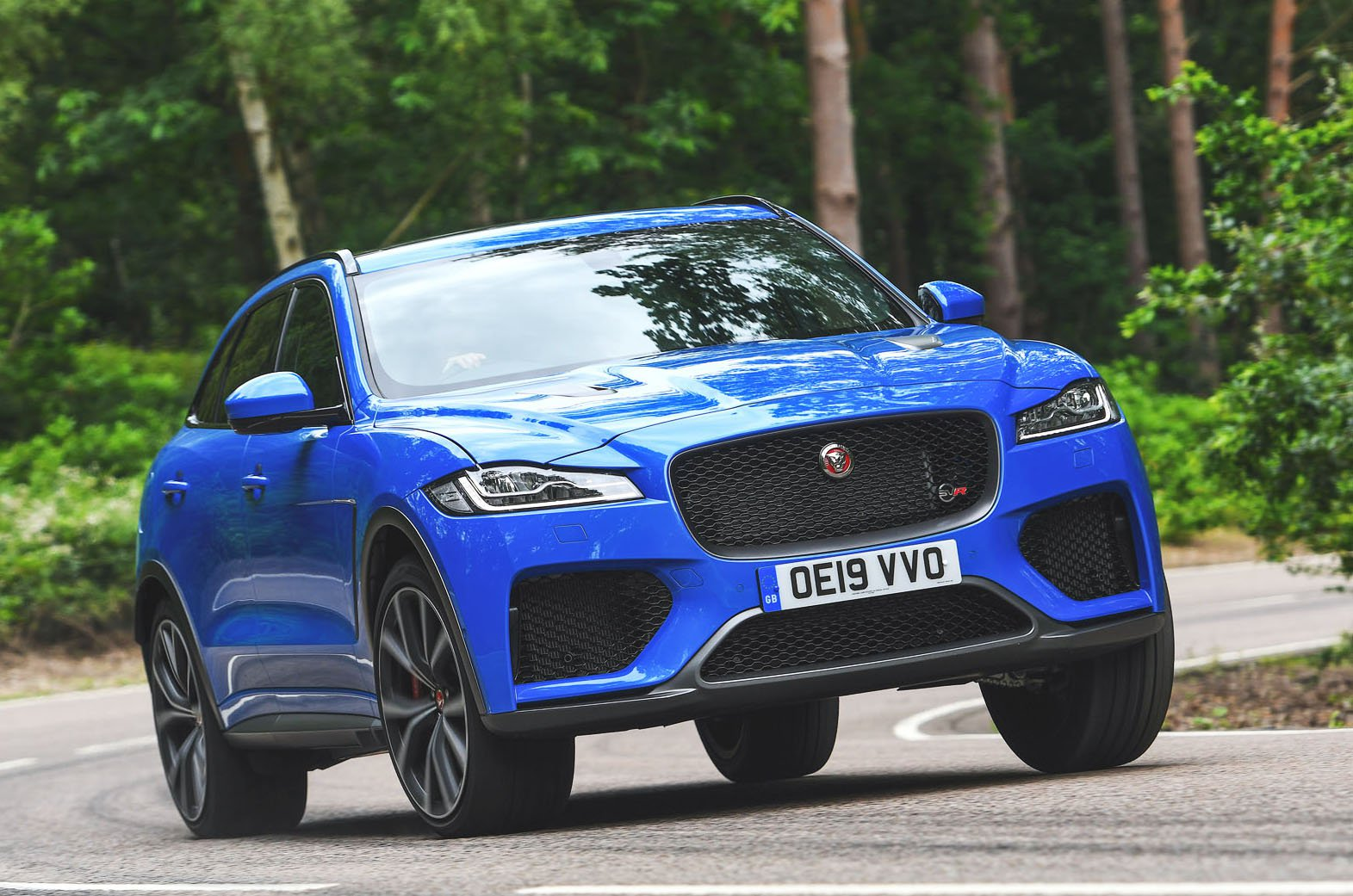 Jaguar F-Pace SVR front - bright blue
