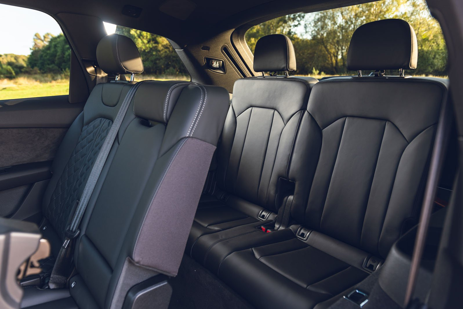 Audi SQ7 2019 RHD rear seats
