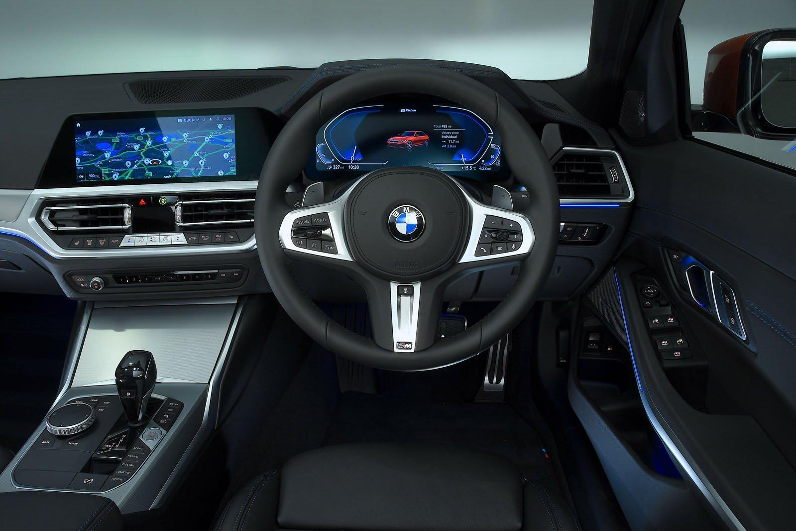 2019 330e interior