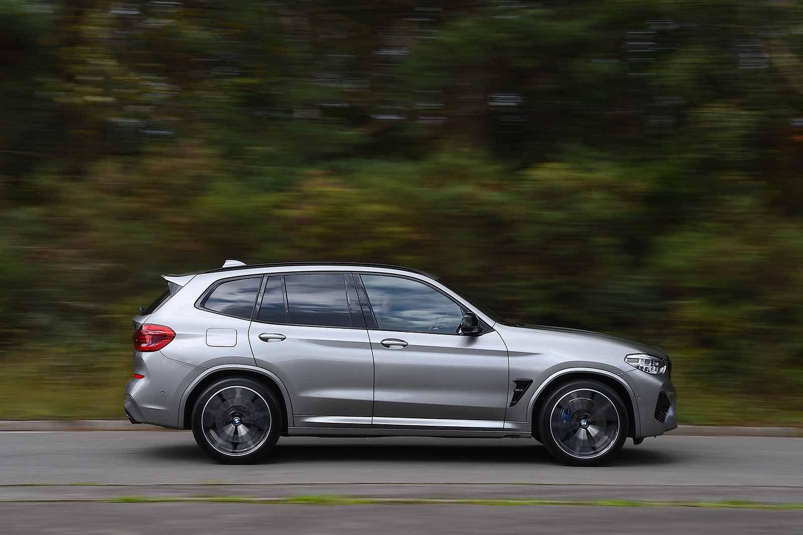 BMW X3 M 2019 RHD right panning