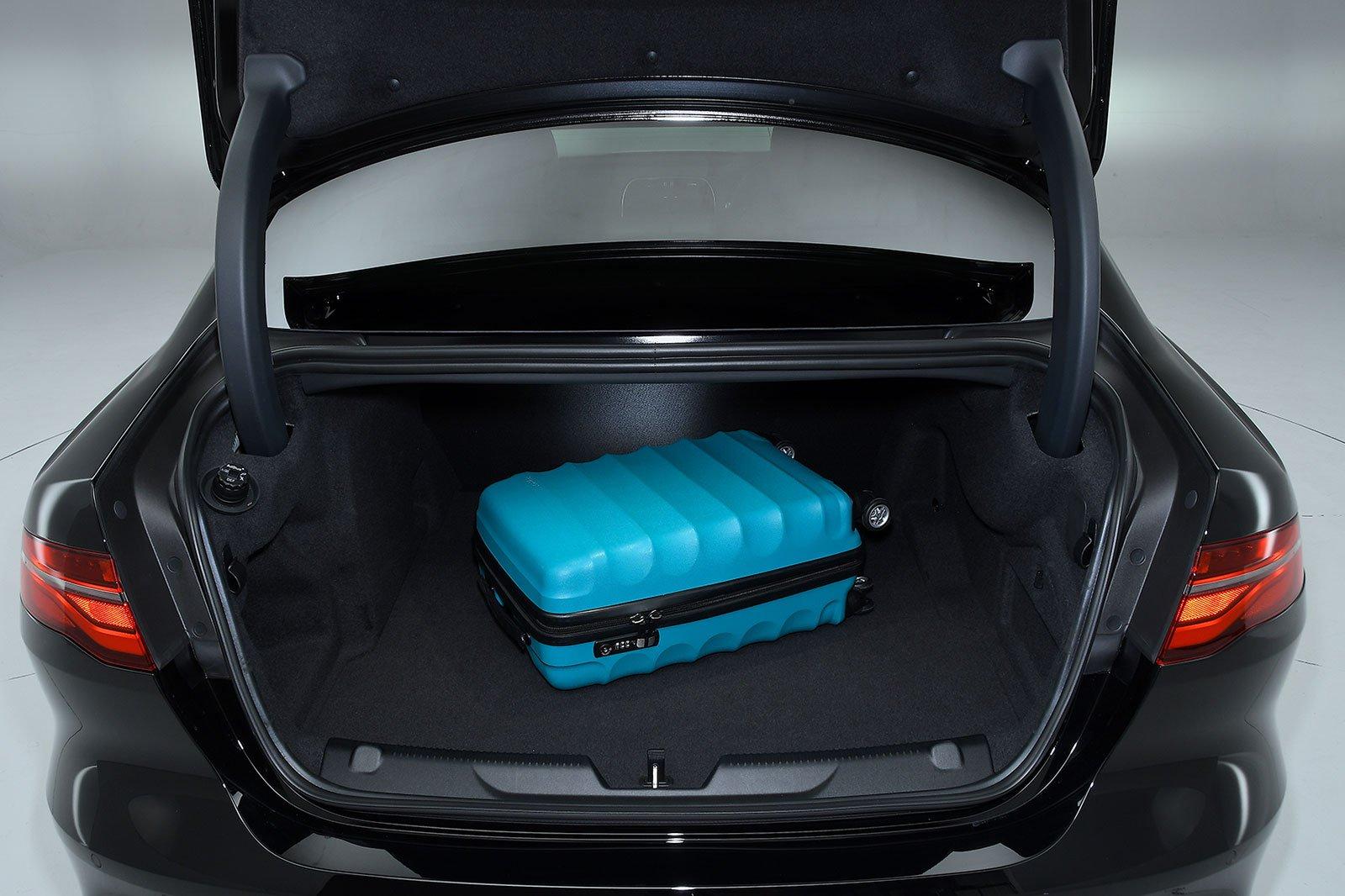 Jaguar XE boot