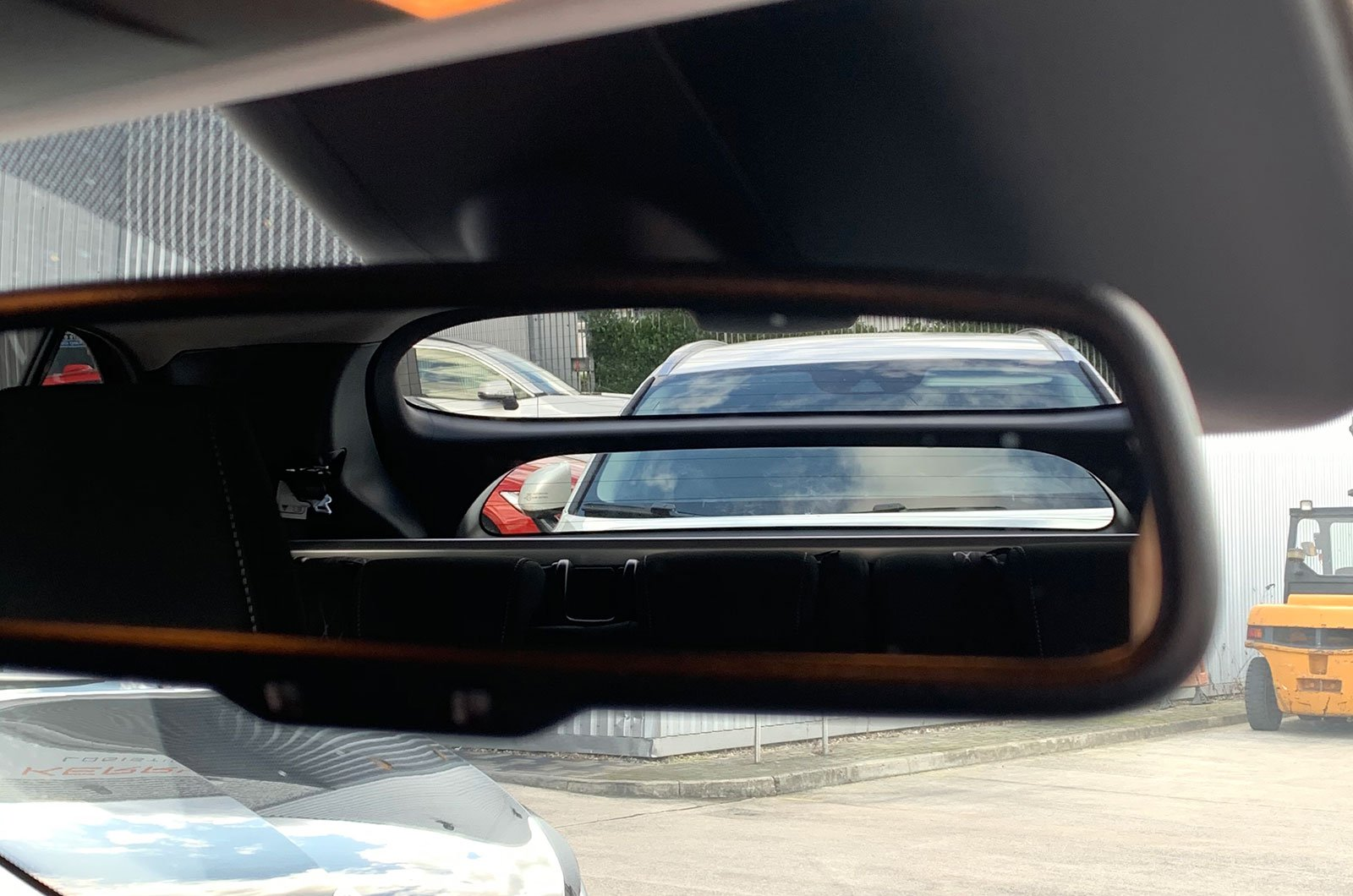 Mitsubishi Eclipse Cross rear window