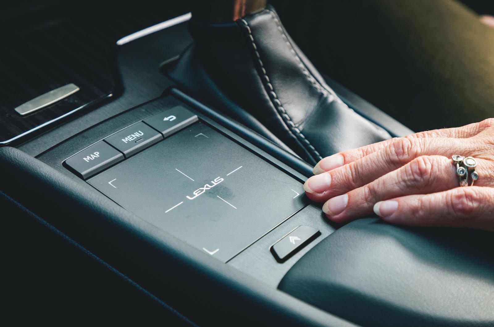 Lexus ES long-termer