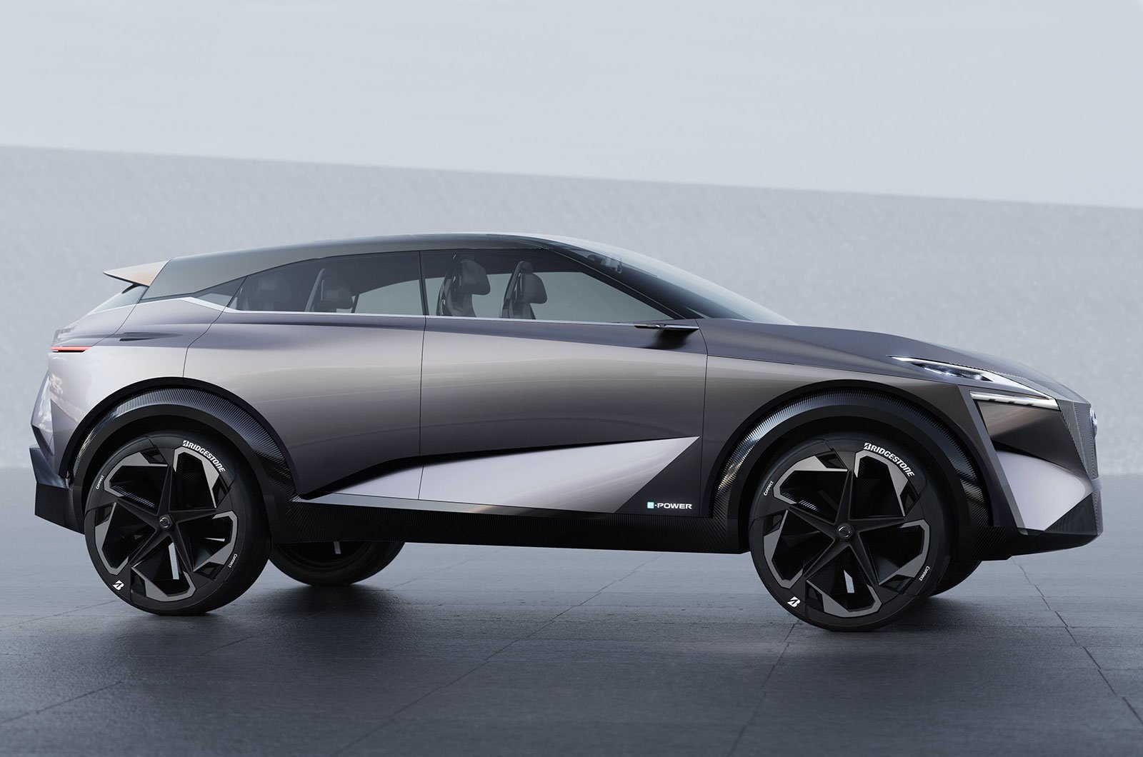 Nissan iMQ side