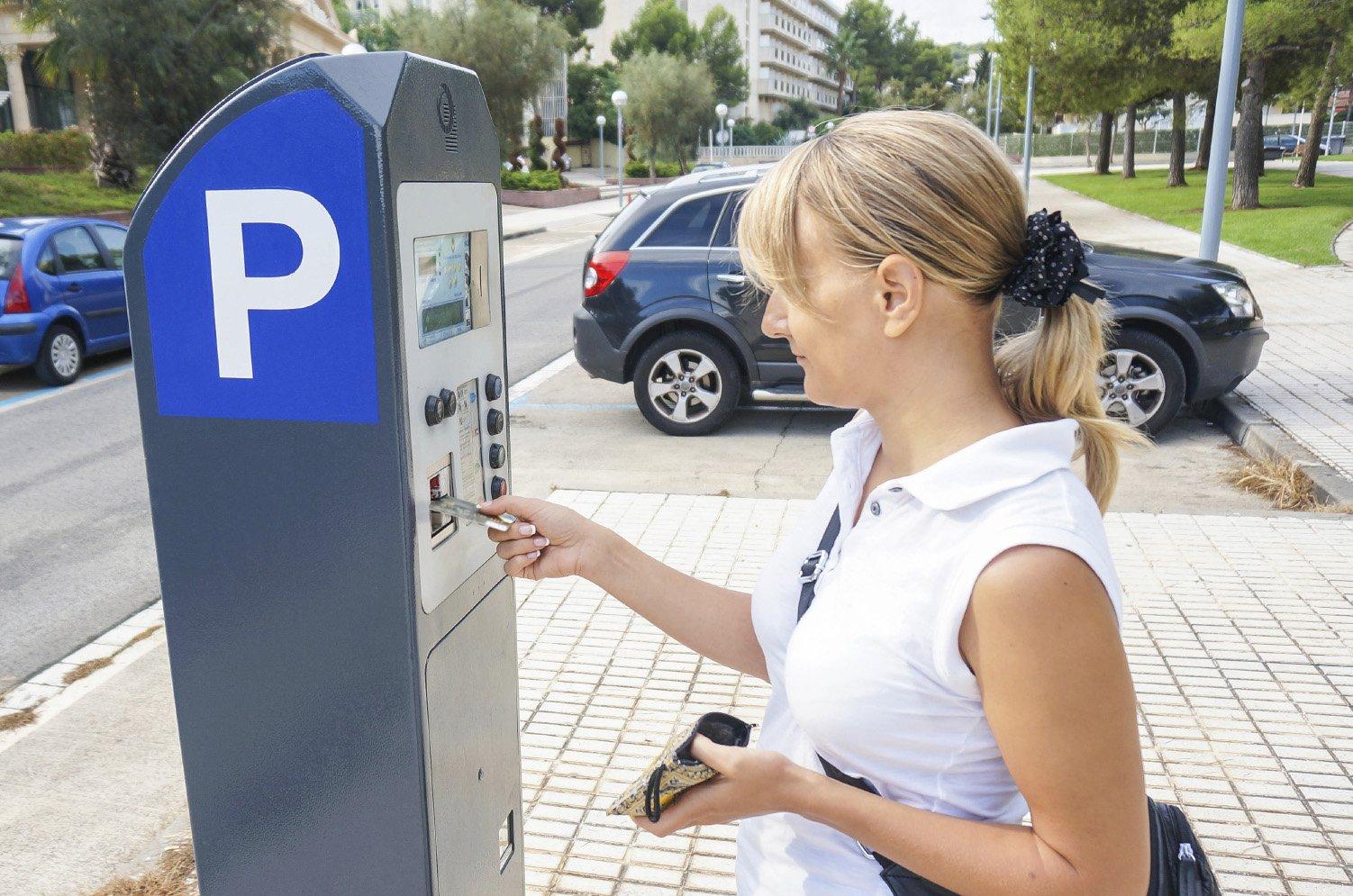 Paying at parking meter