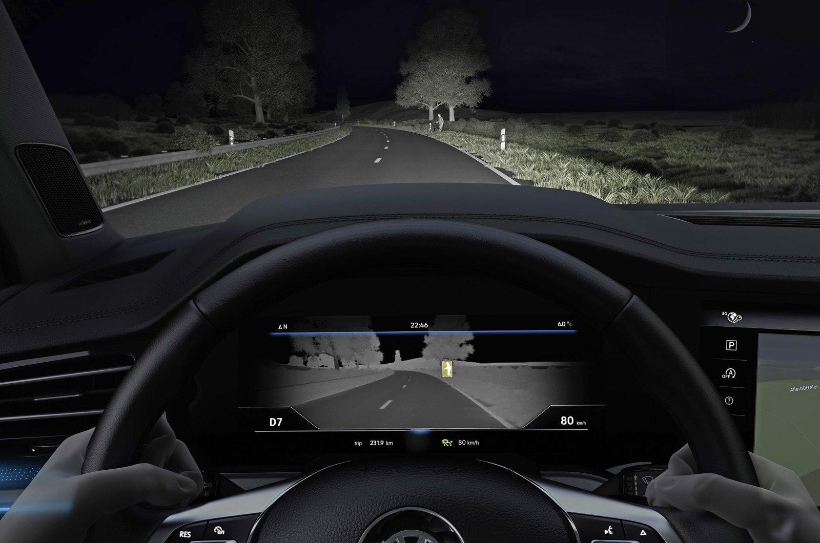 Volkswagen Touareg night vision
