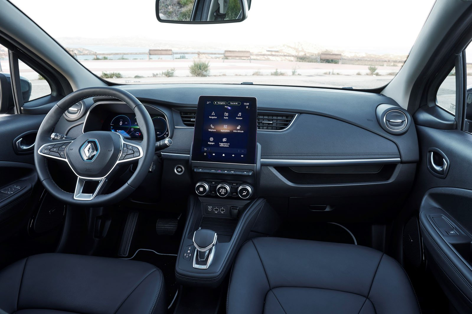 Renault Zoe 2019 LHD dashboard